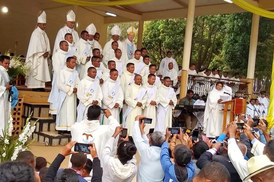 Déplacement de Mgr Crepy à Antsirabe